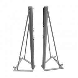 Volejbalové stĺpy hliníkové s podstavcom a kolieskami, pripevnené k zemi